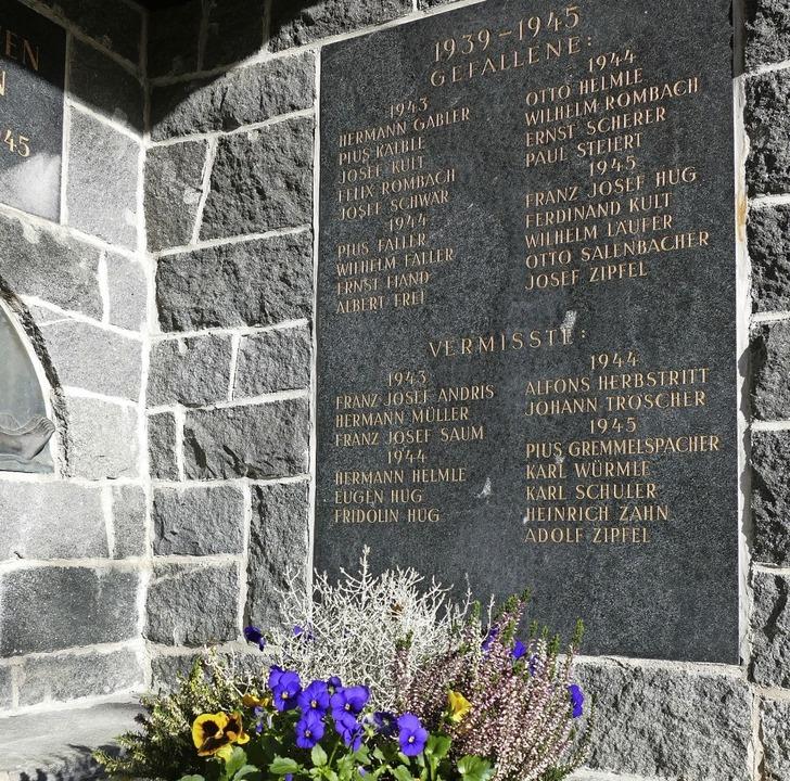 Gedenkstätte für die Kriegstoten auf dem Friedhof Eschbach   | Foto: Markus Donner