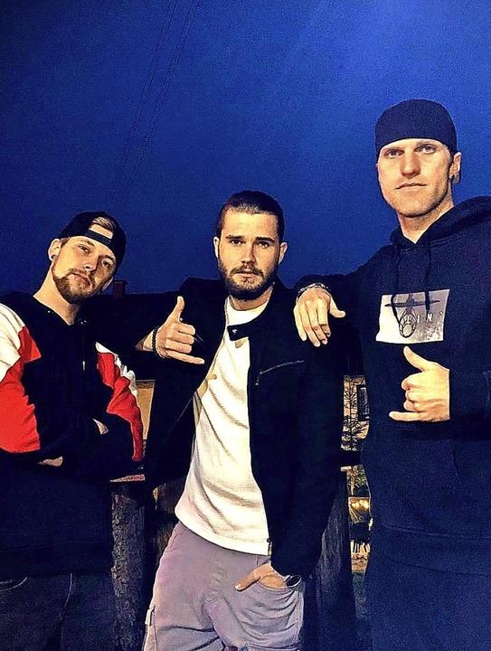 Das Rap-Duo Phillipp Lemanski (links) ...ine Mischung aus Gesang und Rap geben.  | Foto: suedkurier