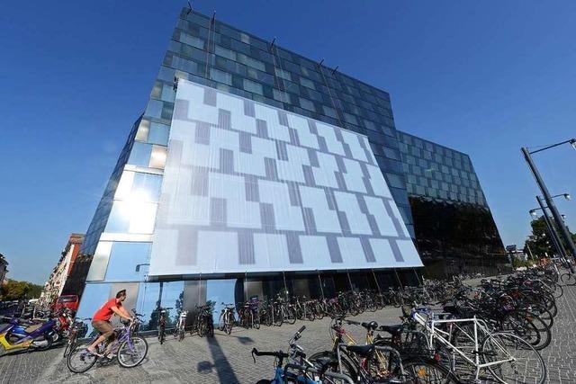 Rechtsstreit um die blendende Fassade der Unibibliothek Freiburg