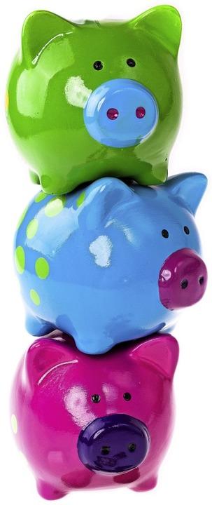 Auch pralle Sparschweine bringen nicht viel Rendite.  | Foto: S.Schwedt Fotografie - stock.ado