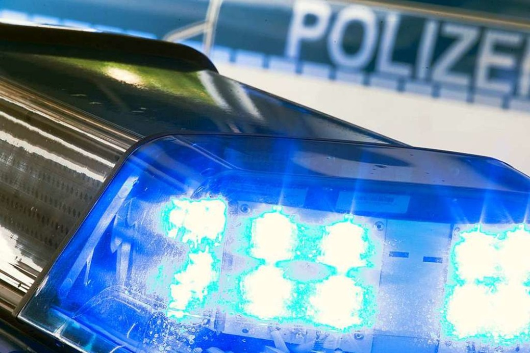 Unbekannte beschädigten in der Friedri...ee-Neustadt mehrere Pkw. (Symbolbild).  | Foto: Friso Gentsch (dpa)