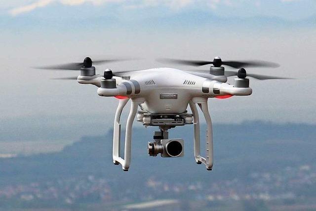 Drohne gefährdet Motorsegler über der Freiburger Innenstadt