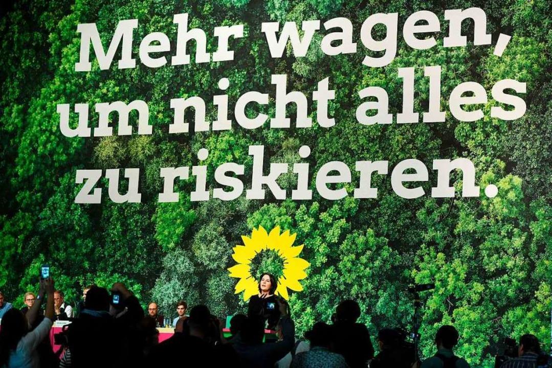 Die streitlustige Partei zeigte sich in Bielefeld geschlossen.  | Foto: INA FASSBENDER (AFP)
