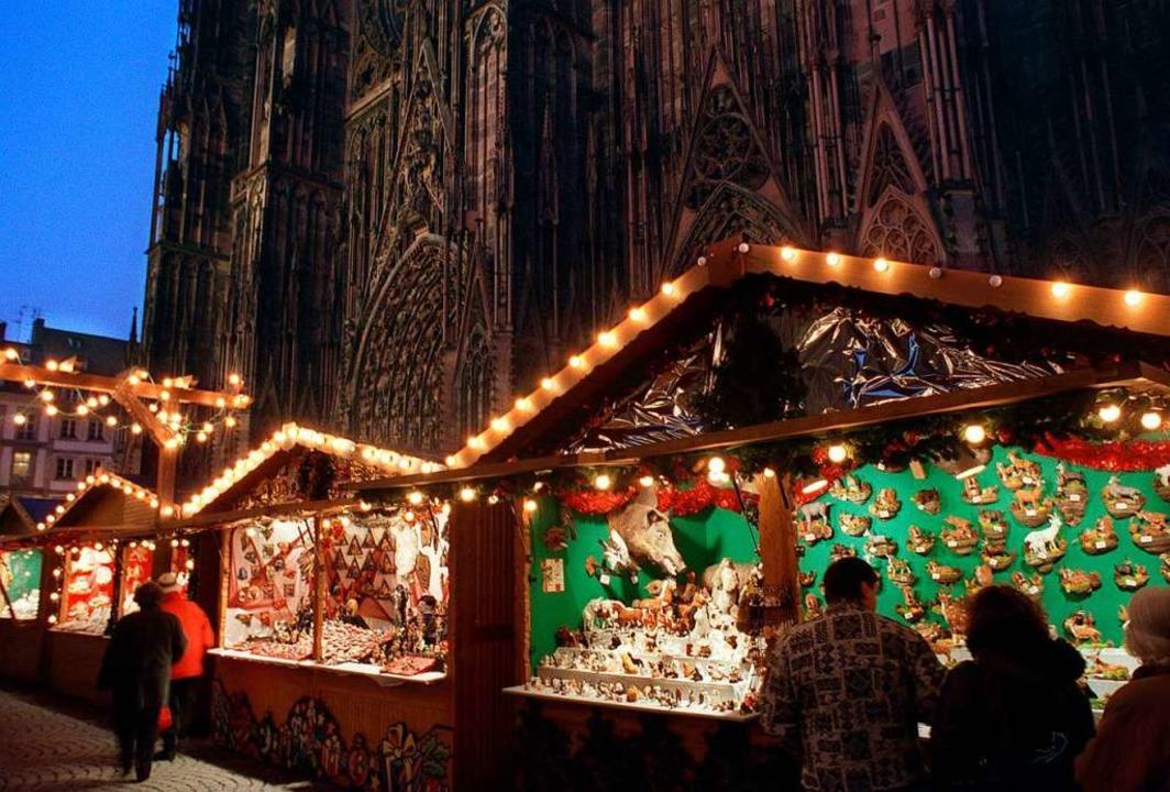 Besucher des Straßburger Weihnachtsmar...n mit verschärften Kontrollen rechnen.  | Foto: Rolf_Haid