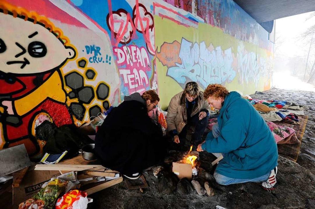 Obdachlose leben unter einer Brücke in Freiburg  | Foto: Ingo Schneider