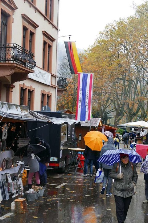 Am verkaufsoffenen Sonntag war das Wetter großteils nicht sehr einladend  | Foto: Sylvia Sredniawa