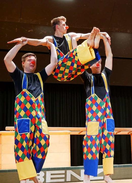 Clownsakrobatik: Die Mixed-Turner des TB Löffingen wirbelten über dei Bühne.  | Foto: Eva Korinth