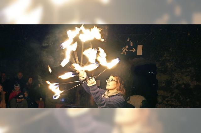 Feuerzauber auf der Burgruine