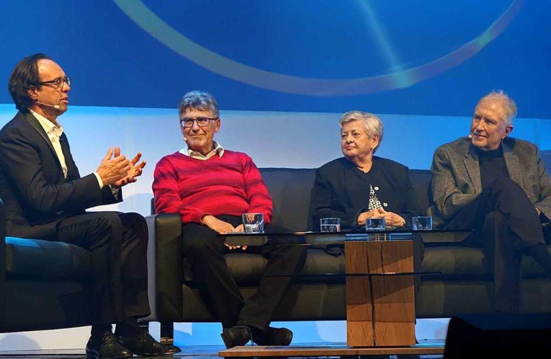 Im Gespräch mit Moderator Christoph So...nekdoten aus der Geschichte des Gloria  | Foto: Roswitha Frey
