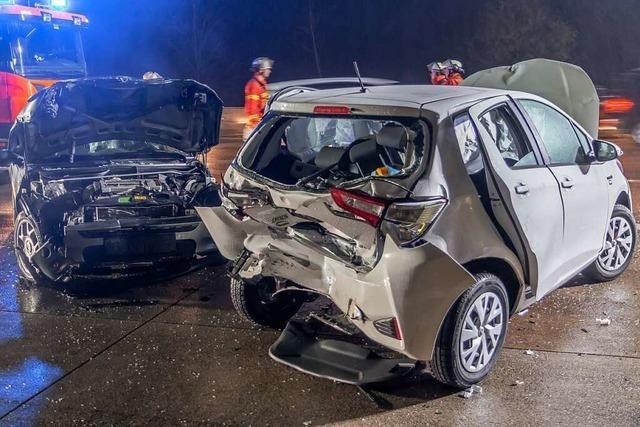 Sieben Verletzte bei Unfall auf A5 nahe Karlsruhe