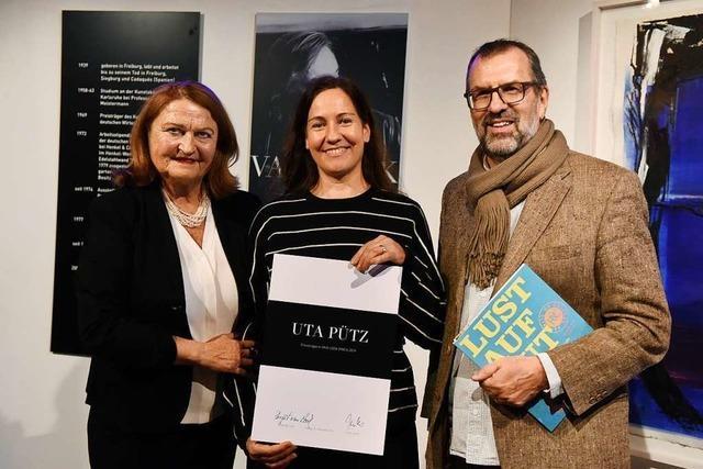 Im E-Werk wurde die Künstlerin Uta Pütz mit dem Van-Look-Kunstpreis ausgezeichnet
