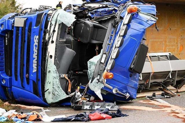 A5 war zwischen Freiburg-Mitte und Freiburg-Nord nach schwerem Unfall über Stunden gesperrt