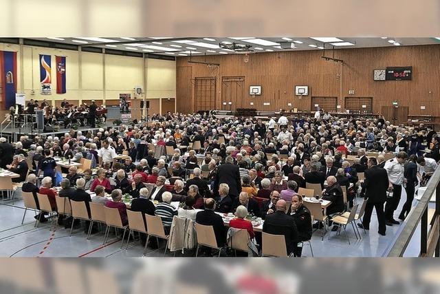 Bunter Nachmittag für mehr als 650 Senioren