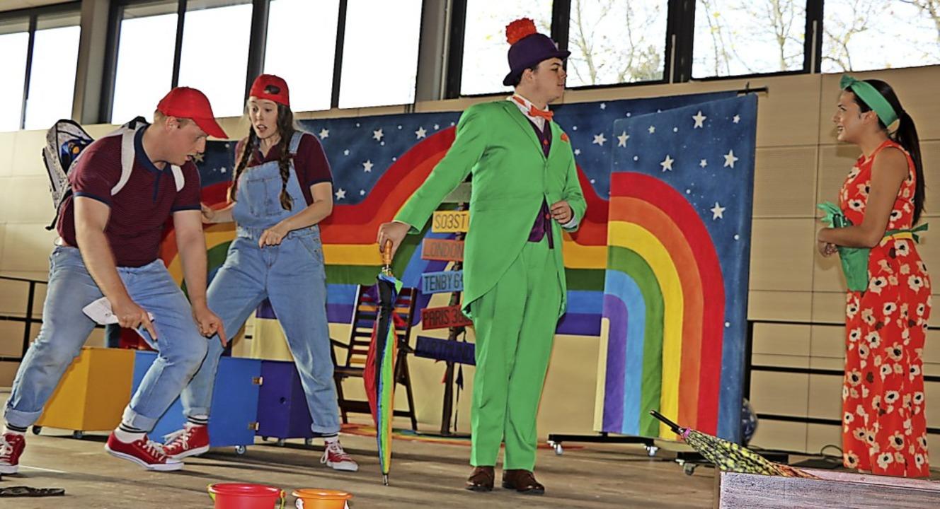 Vor beeindruckender Kulisse führen die...r Schüler der Realschule Bonndorf auf.  | Foto: Martha Weishaar
