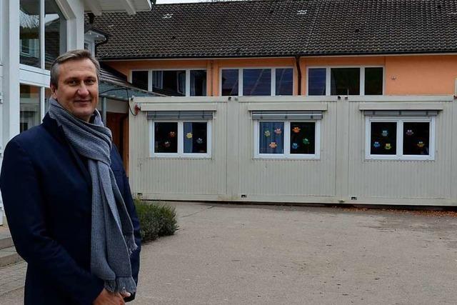 Ortsrundgang durch Schliengen mit Bürgermeisterkandidat Claus Weichel