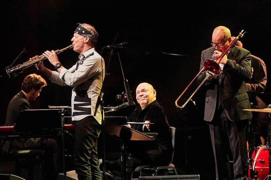Er singt  wieder –  Jazz und Pop... Quasthoff beim Konzert in Baden-Baden  | Foto: Michael Bode/manolo press
