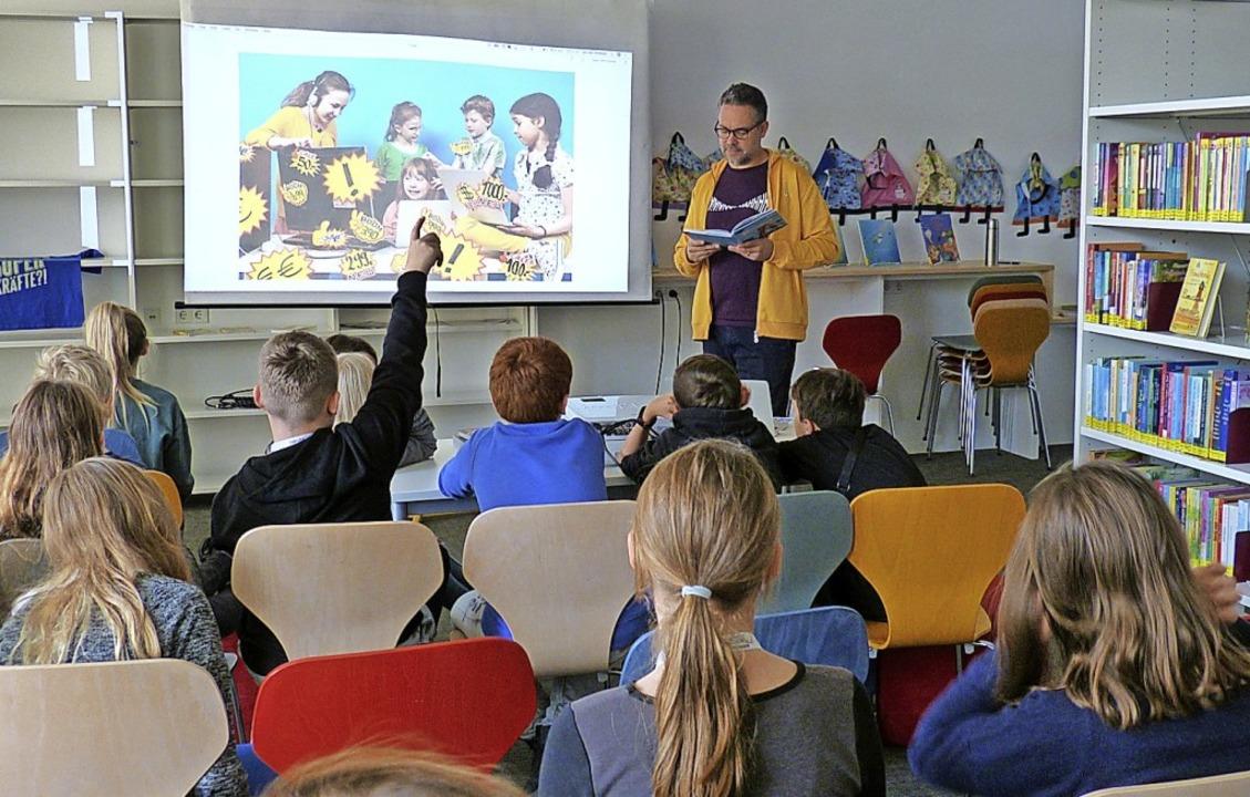 Dass sie bei vielen vermeintlich günst... Fünftklässlern der Neunlindenschule.   | Foto: Susanne Bremer