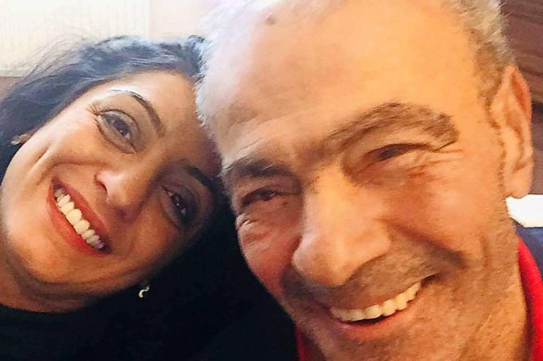 Selfie für Facebook: Wiedad Abdallah mit ihrem Vater  | Foto: Wiedad Abdallah