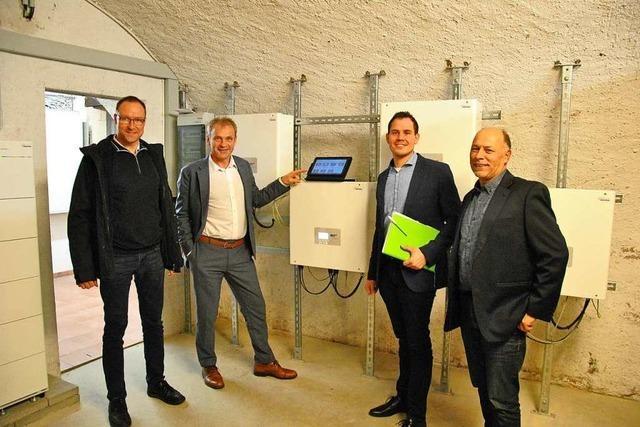 Der Strom für Rathaus, Dorfmuseum und Straßenlaternen kommt in Pfaffenweiler vom Rathausdach