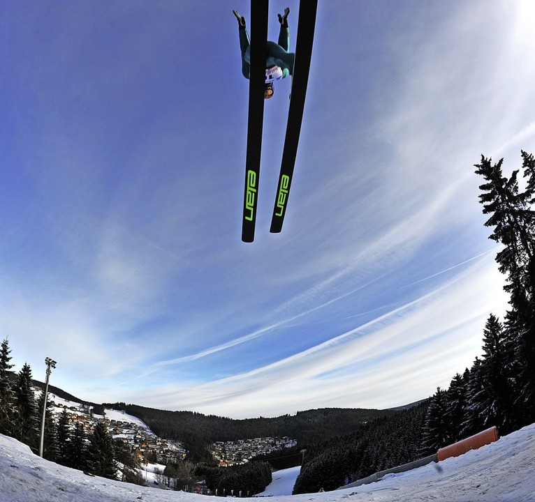 """Die weltbesten Nordischen Kombinierer ...r Schule lernen, Ski zu fahren.""""    Foto: Patrick Seeger"""