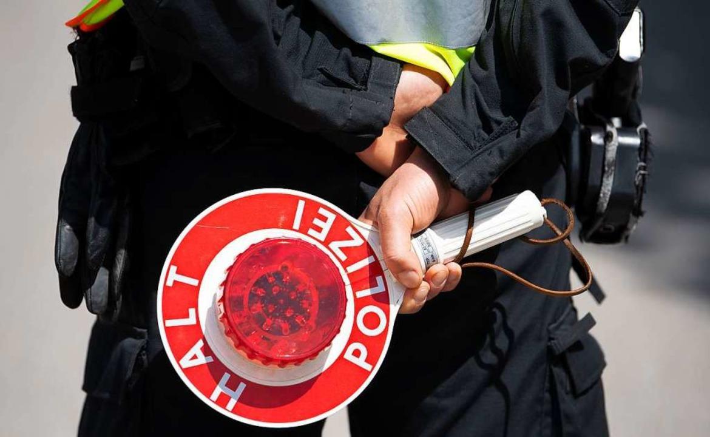 Zu einem Fall von Unfallflucht ermittelt die Polizei in Elzach.  | Foto: Sven Hoppe (dpa)