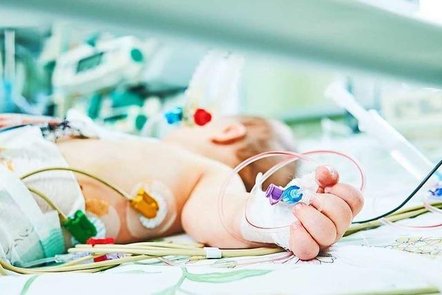 Müssen Krankenkassen nicht zugelassene Medikamente zahlen, die Leben retten?