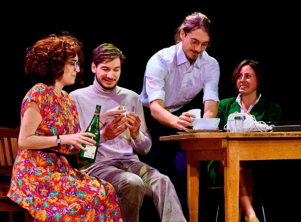 Jessica Hargreaves, Jonas Sahner, Benj...ya Rollberg (von links) bei den Proben  | Foto: Simon Sahner