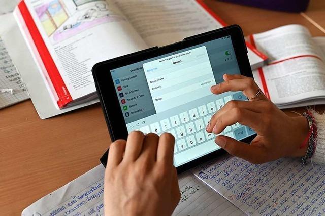 Tobias Benz kritisiert die Bundesregierung für die Digitalzuschüsse