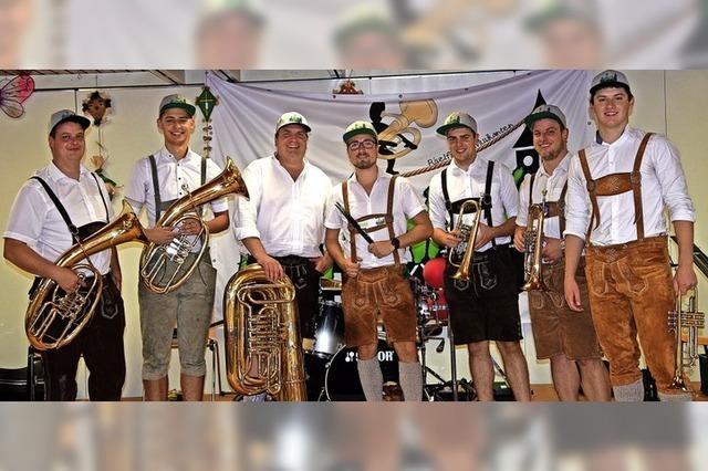 Neue Blasmusikformation im Ösch