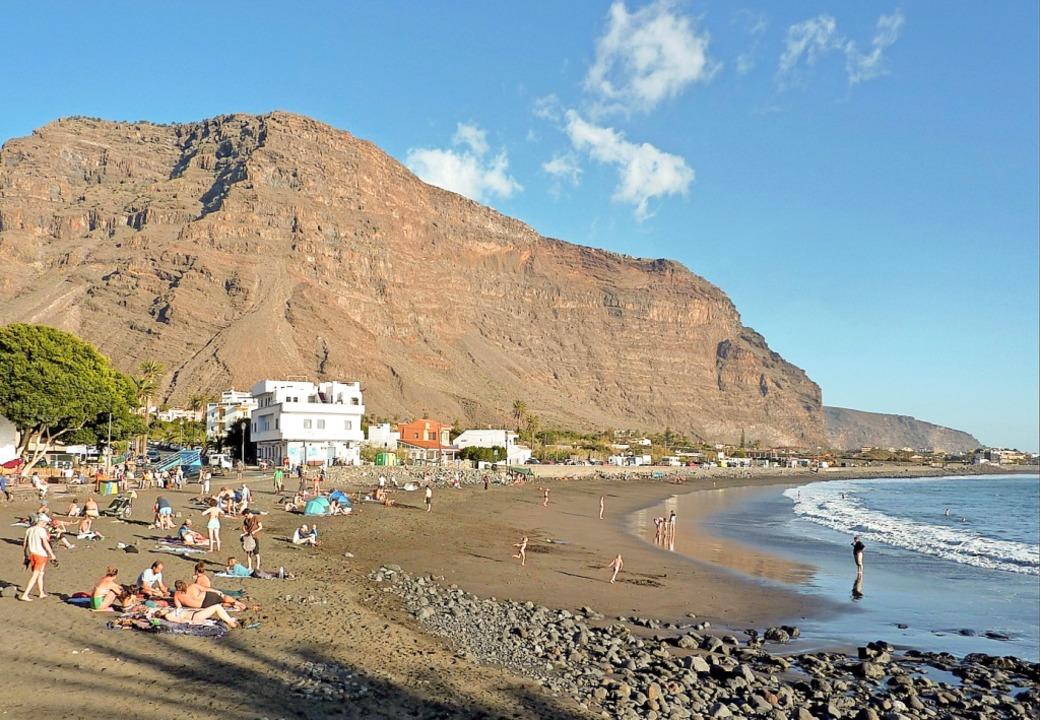 Treffpunkt am Strand: Valle Gran Rey auf La Gomera    Foto: Claudia Diemar