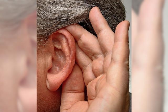 Wer früh schlecht hört, wird häufiger dement