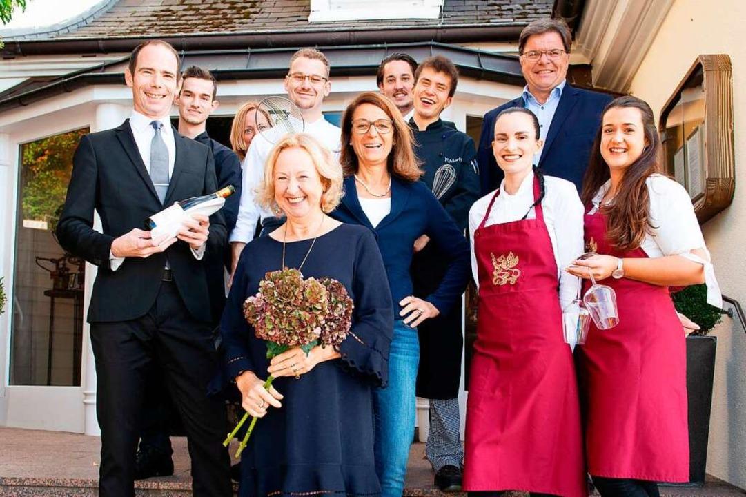 Toni Schlegel und das Team des Greiffenegg Schlössle  | Foto: Schlegel Gastronomie