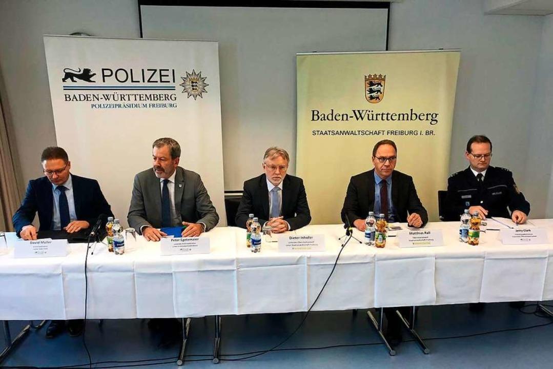 Polizei und Staatsanwaltschaft informi...and der Ermittlungen im Mordfall Haid.  | Foto: Joachim Röderer