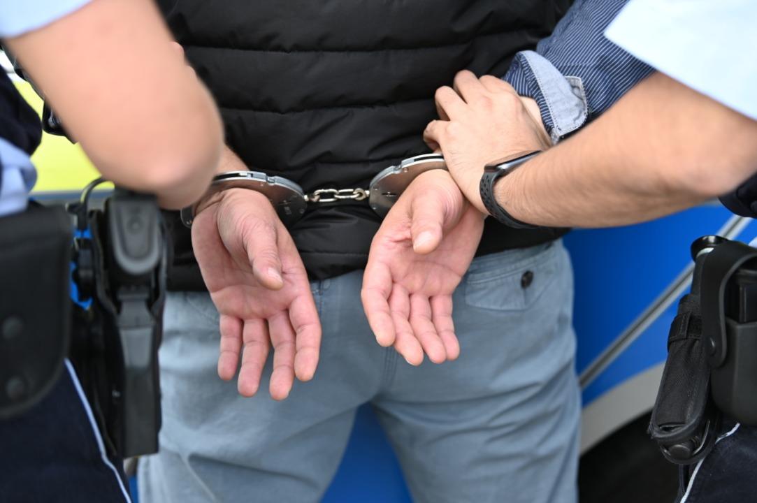 Die Staatsanwaltschaft erwirkte einen Haftbefehl gegen den 37-Jährigen.  | Foto: Jonas Hirt