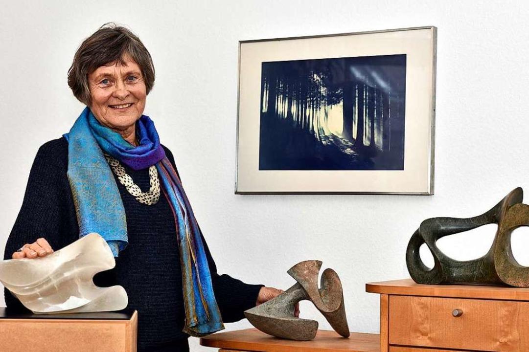 Heidi Mönnich-Marks zeigt ihre Skulptu... einer Ausstellung im Tandem-Institut.  | Foto: Thomas Kunz