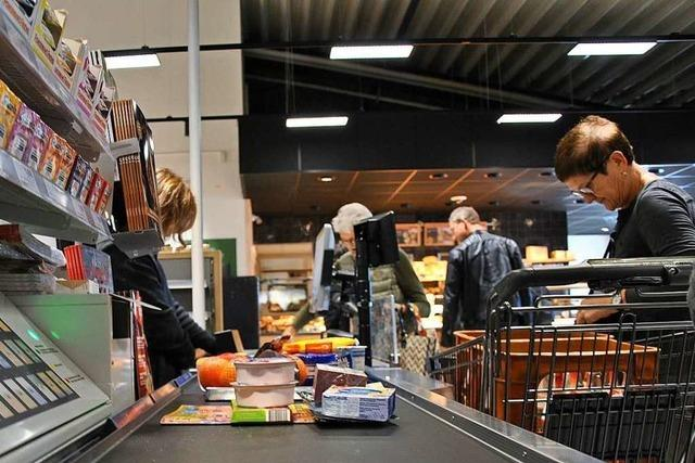 In Pfaffenweilers neuem Supermarkt arbeiten Menschen mit und ohne Behinderung