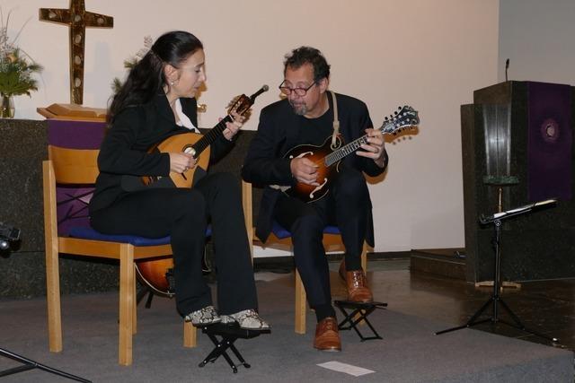 Begeisterndes Eröffnungskonzert mit Andràs Csàki, Caterina Lichtenberg und Mike Marshall