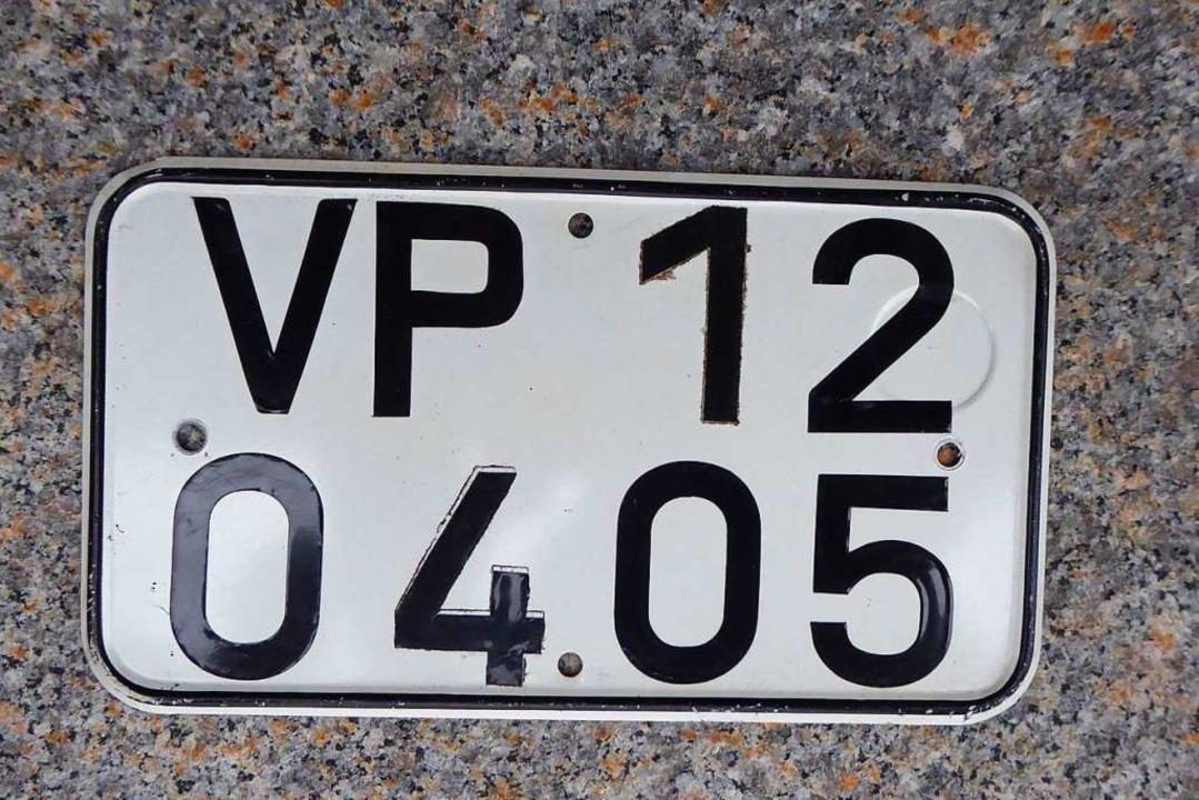 Kennzeichen eines Volkspolizeimotorrads  | Foto: Peter Stellmach