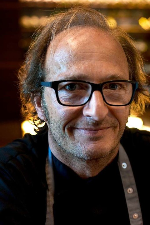 Matthias Dahlinger kocht schnörkellos und mit mediterranem Einschlag.  | Foto: Stephan Elsemann