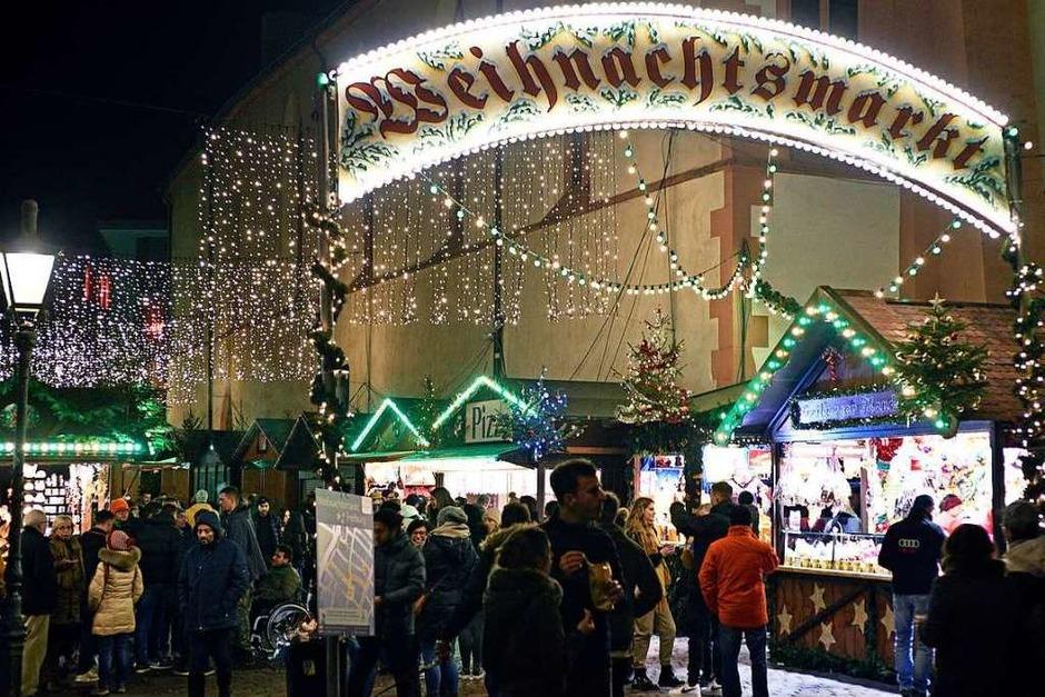 Start in die Adventszeit: Der Freiburger Weihnachtsmarkt 2019 (Foto: Thomas Kunz)