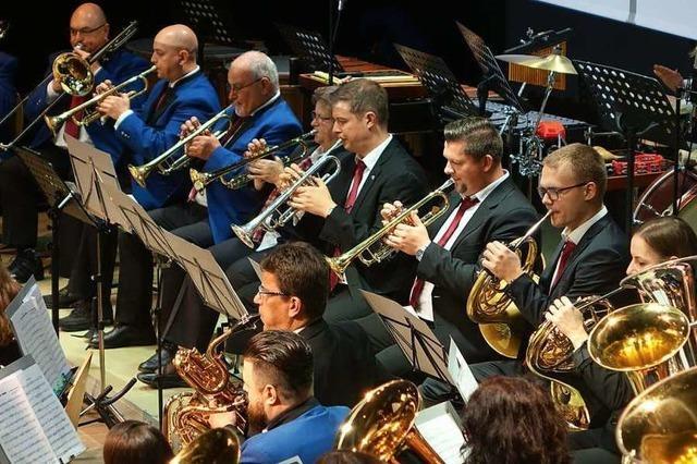 Premiere des neuen Dirigenten der Stadtmusik beim Jahreskonzert