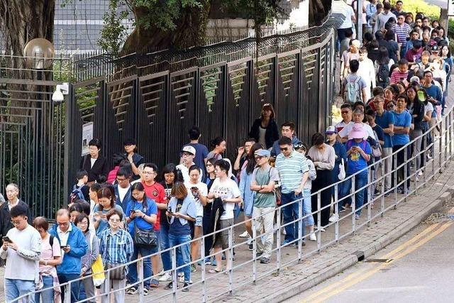 Klarer Wahlsieg für Demokratie-Lager in Hongkong