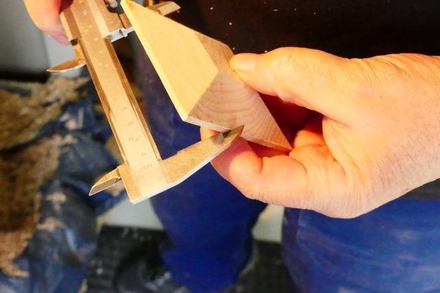 Ein Inzlinger fertigt seit 30 Jahren Scheiben für das Scheibenschlagen