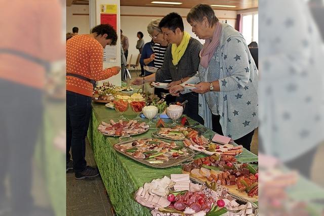 180 Gäste beim Frühstück