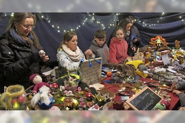 Weihnachtsmarkt lädt ein