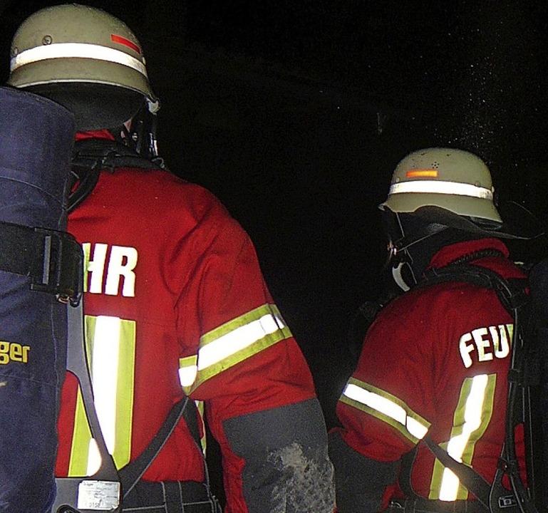 Übungen sind für Feuerwehrleute sehr wichtig.   | Foto: Rolf Mück