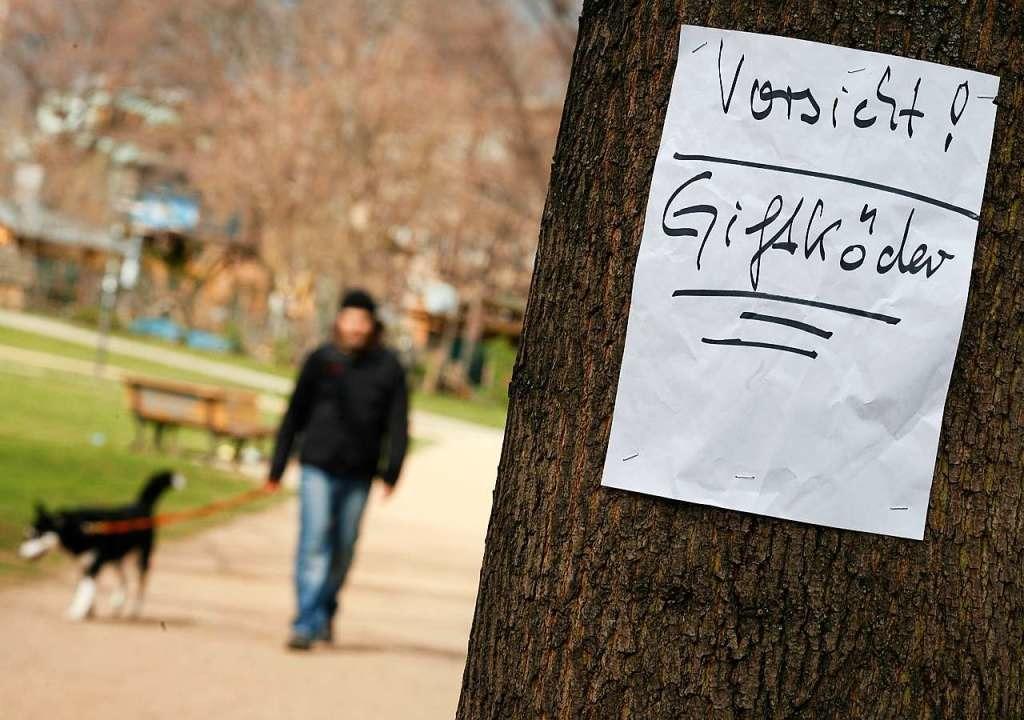 Meist wird über soziale Netzwerke vor ...urch vermeintliche Giftködern gewarnt.  | Foto: Florian Schuh