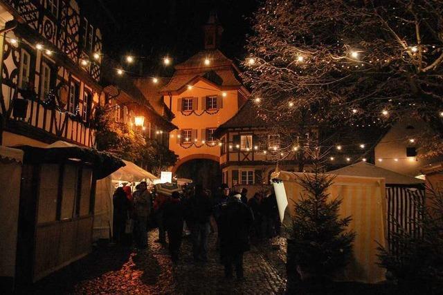 Am Wochenende ist Weihnachtsmarkt und mittelalterliches Treiben in Burkheim