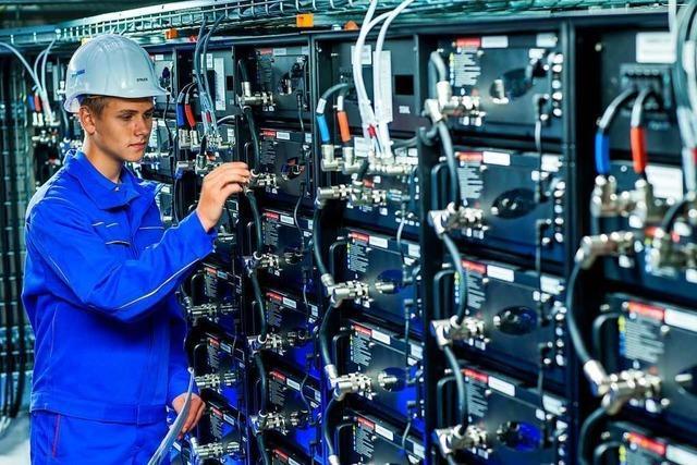 Großbatterie in Pratteln hilft, das Stromnetz stabil zu halten