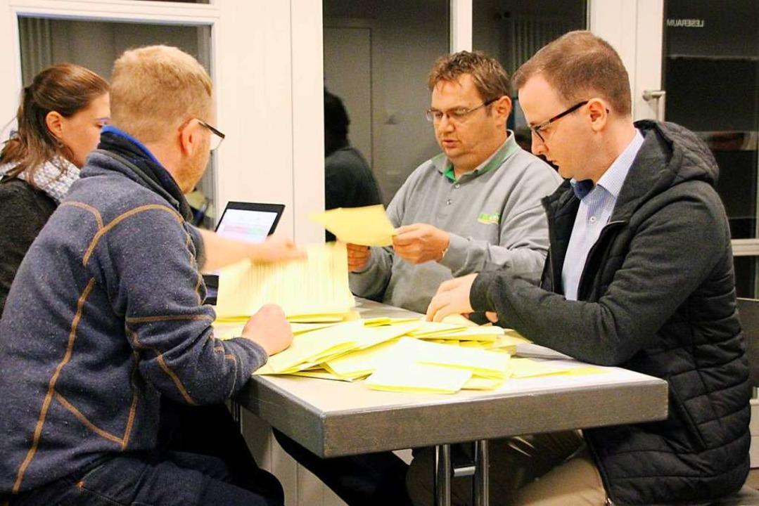 Bis Montagabend war das Ergebnis der Bürgerbefragung in Bürchau ausgezählt.  | Foto: Yvonne Rünzi